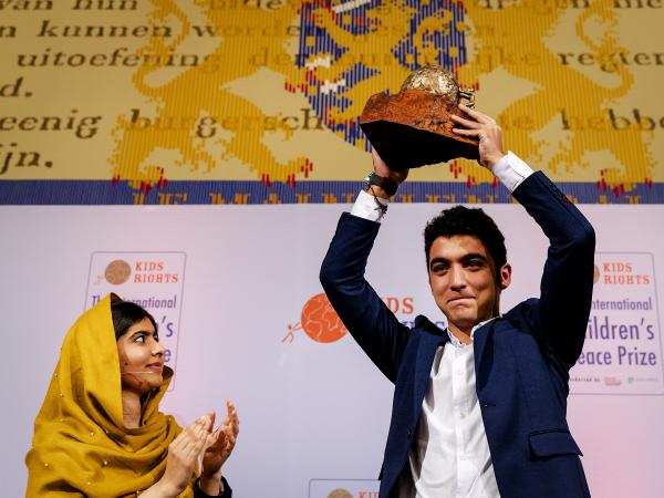 Story of Syrian teen Who wins 2017 peace prize for educating refugee children